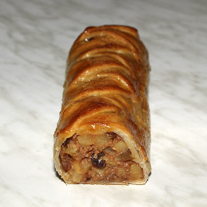 apple-sultana-strudel-gusto-bakery