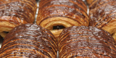 chocolate-croissants-gusto-bakery