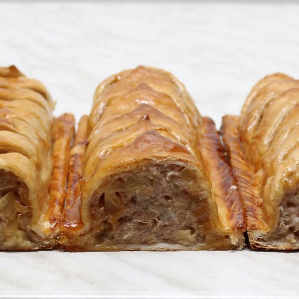 desserts-strudel-apple-rhubarb-gusto-bakery (3)