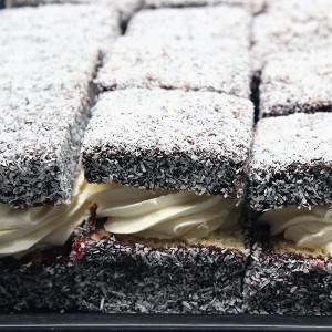 lamington-with-fresh-cream-gusto-bakery