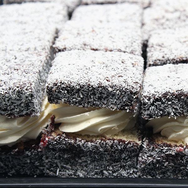lamington-with-fresh-cream-gusto-bakery
