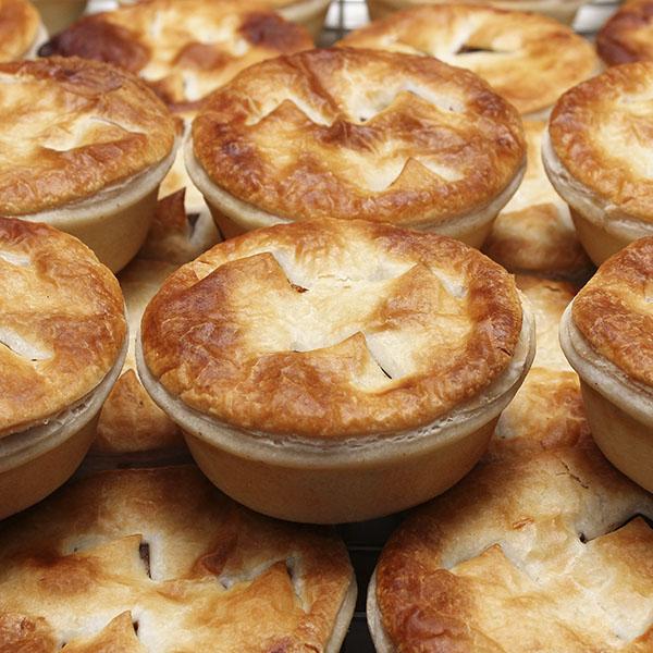 savoury-pie-pepper-steak-gusto-bakery (2)
