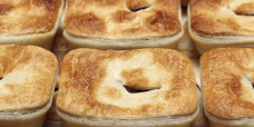 savoury-pie-plain-steak-beef-gusto-bakery