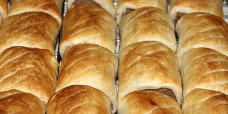 savoury-roll-party-sausage-roll-gusto-bakery
