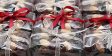 seasonal-christmas-mini-fruit-cake-gusto-bakery (4)