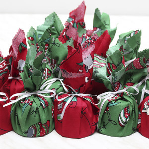 seasonal-christmas-mini-plum-pudding-gusto-bakery (1)