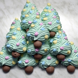 seasonal-christmas-xmas-tree-meringues-gusto-bakery (3)