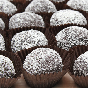 yum-balls-gusto-bakery