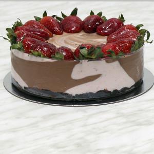 desserts-marbled-strawberry-milk-chocolate-cheesecake-gusto-bakery (7)