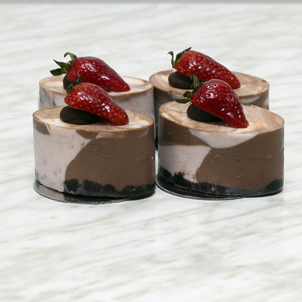 desserts-marbled-strawberry-chocolate-cheesecake-individual-gusto-bakery