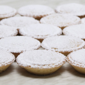 seasonal-christmas-xmas-fruit-mince-tarts-lids-gusto-bakery (3)