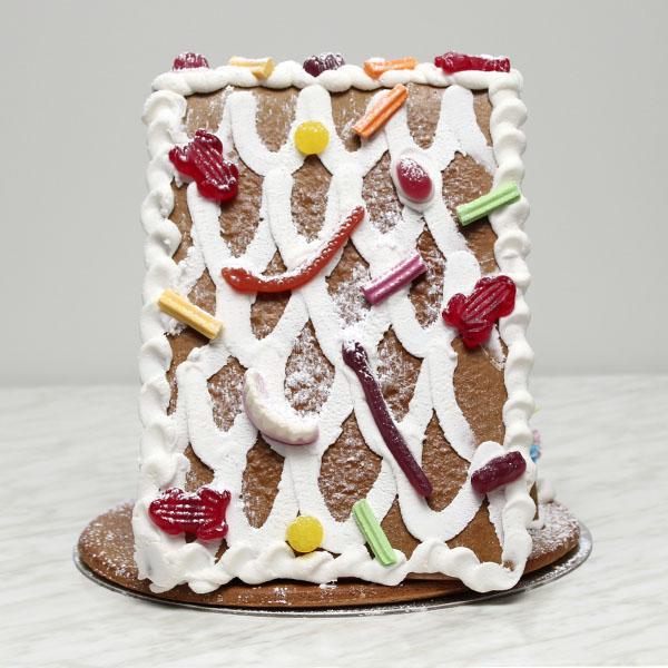 seasonal-christmas-xmas-gingerbread-house-large-gusto-bakery (5)