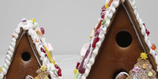 seasonal-christmas-xmas-gingerbread-house-two-gusto-bakery (1)