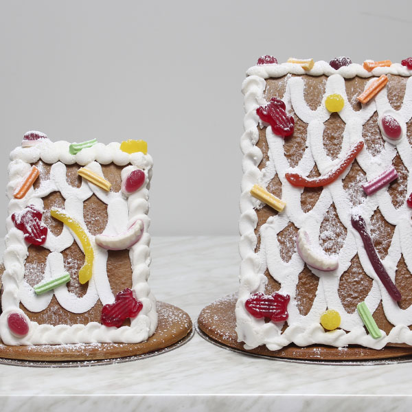 seasonal-christmas-xmas-gingerbread-house-two-gusto-bakery (3)