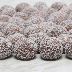 seasonal-christmas-xmas-truffles-chocolate-gusto-bakery (1)