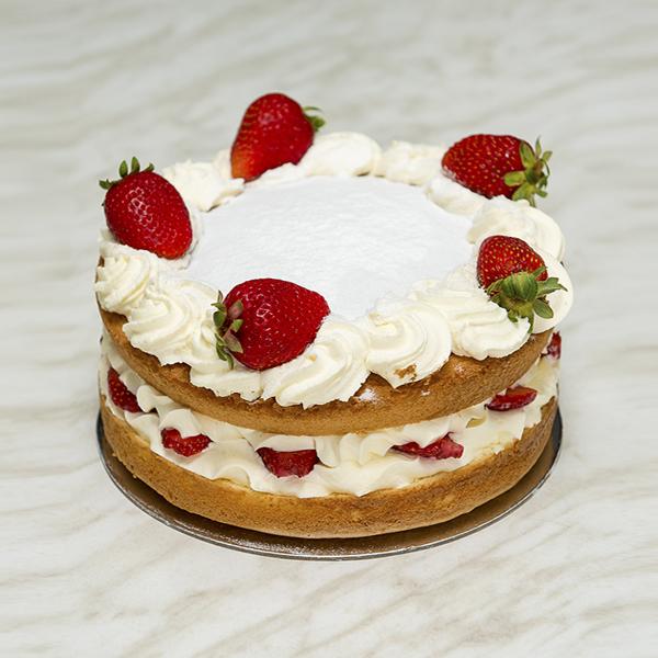 Strawberry-Sponge-Gusto-Bakery