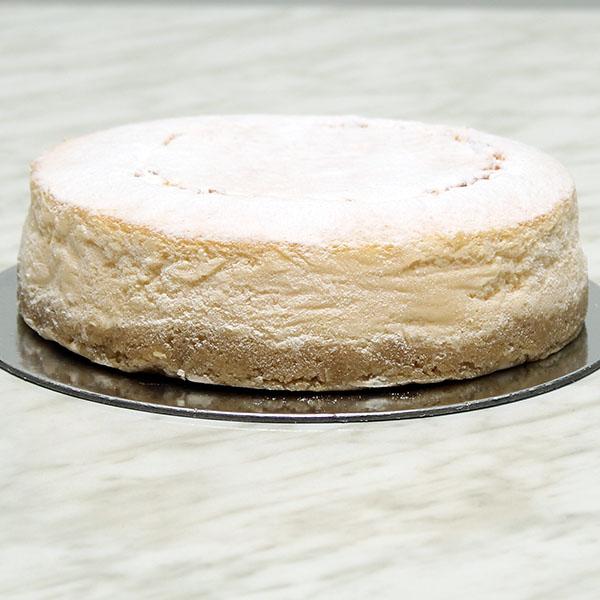 desserts-baked-cheesecake-undecorated-gusto-bakery (1)