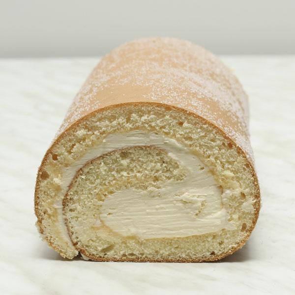 desserts-lemon-cream-roll-roulade-fresh-cream-gusto-bakery (17)