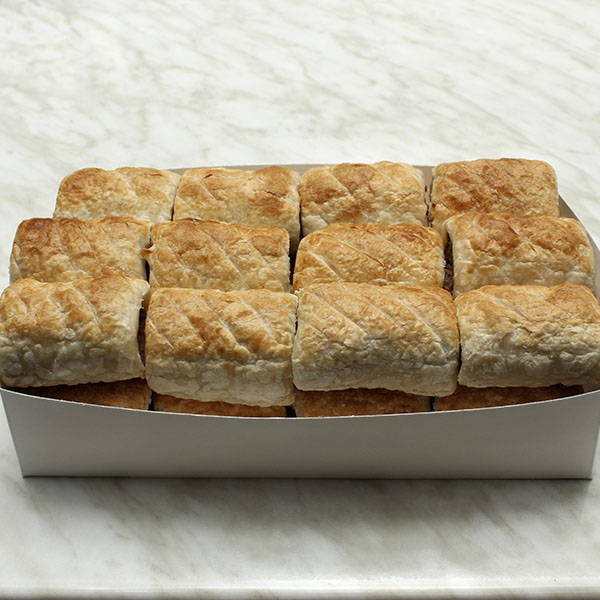 party-pack-party-sausage-rolls-24-gusto-bakery