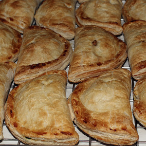 savoury-pasty-meat-vegetable-gusto-bakery (3)