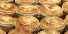 savoury-pie-party-pies-gusto-bakery