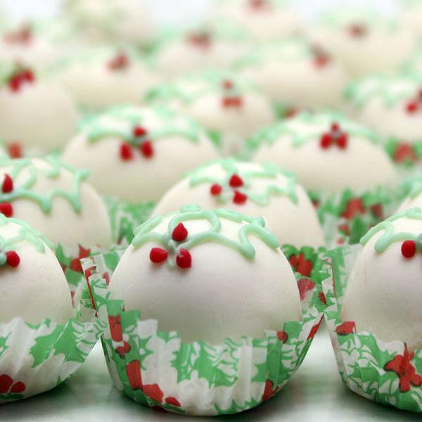 seasonal-christmas-fruit-cake-truffles-gusto-bakery (1)