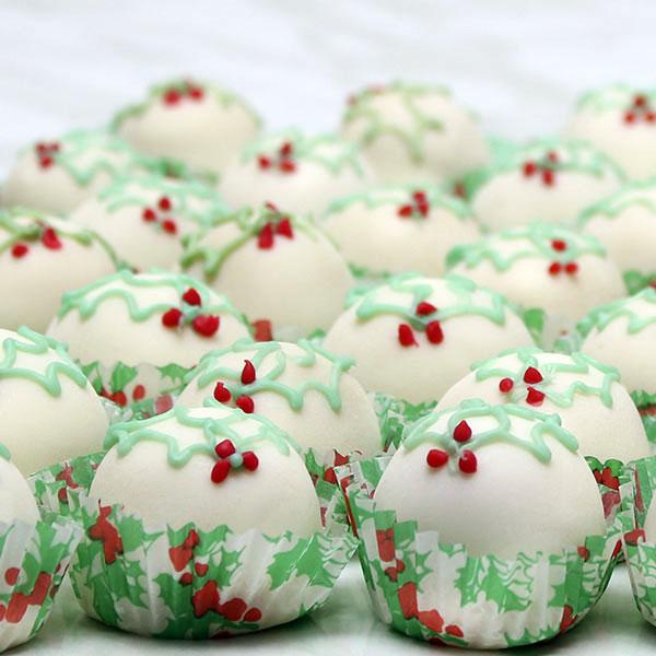 seasonal-christmas-fruit-cake-truffles-gusto-bakery (2)