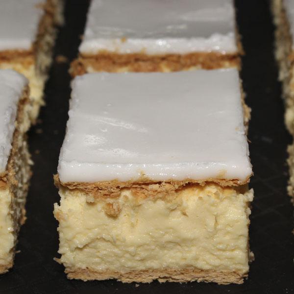 vanilla-slice-gusto-bakery-best-award-winner-2