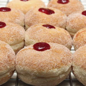 yeast-raised-doughnuts-donuts-jam-iced-gusto-bakery (2)