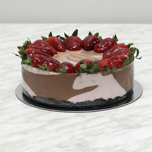 desserts-marbled-strawberry-milk-chocolate-cheesecake-gusto-bakery