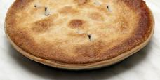 savoury-family-pie-pepper-steak-gusto-bakery (1)