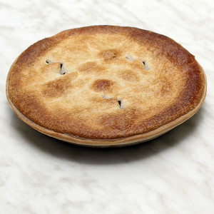 savoury-family-pie-pepper-steak-gusto-bakery (1)