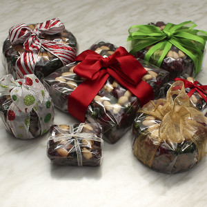 seasonal-christmas-fruit-cake-gusto-bakery