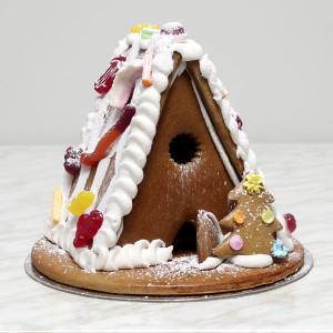 seasonal-christmas-xmas-gingerbread-house-small-gusto-bakery (3)