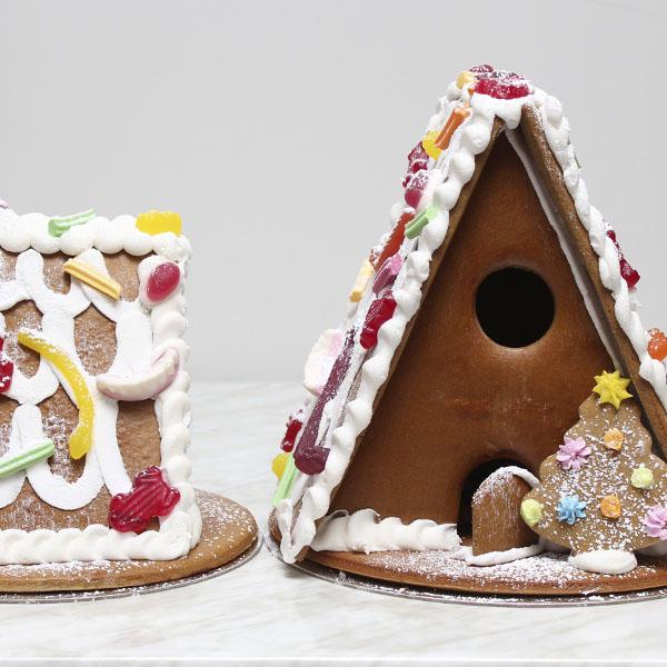 seasonal-christmas-xmas-gingerbread-house-two-gusto-bakery (2)