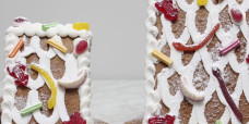 seasonal-christmas-xmas-gingerbread-house-two-gusto-bakery (3)