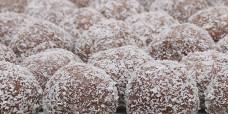 seasonal-christmas-xmas-truffles-chocolate-gusto-bakery (1)