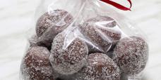 seasonal-christmas-xmas-truffles-chocolate-gusto-bakery (5)